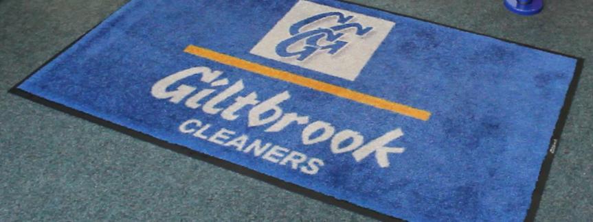Small logo mat